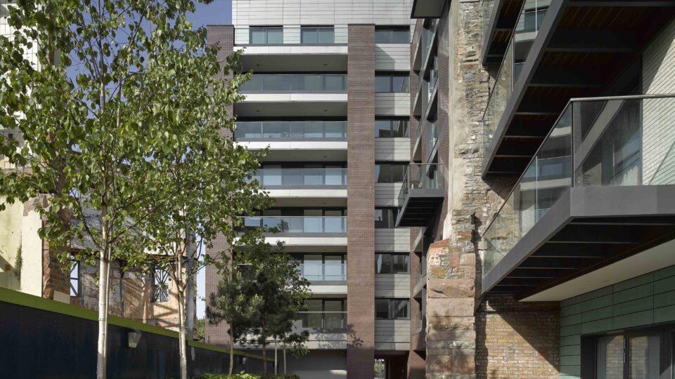 Exterior apartments at Finzels Reach